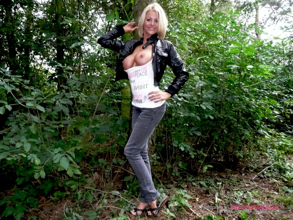 Dogging girl from the city to the countryside 2